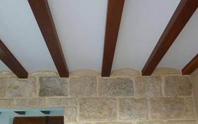Realizarea unui planseu-tavan rustic din lemn cu ajutorul Nervometalului
